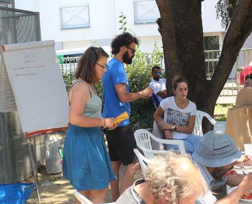Une expérimentation entièrement co-construite avec les participants (voisins et personnes accueillies)